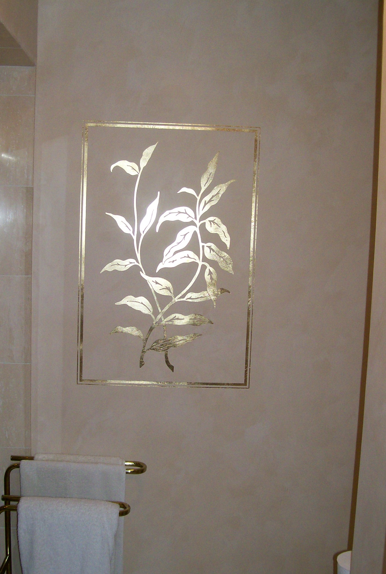 Gold Leafing Meets Venetian Plaster Painting In Partnership